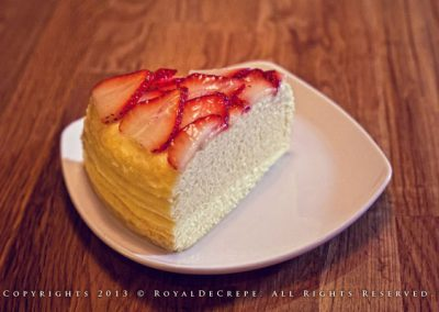 Vanilla Strawberries Crepe Cake